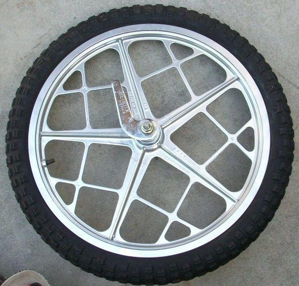 Motomag Mongoose Two Rims Wheels Mags Cheng Shin 70s OG Tires