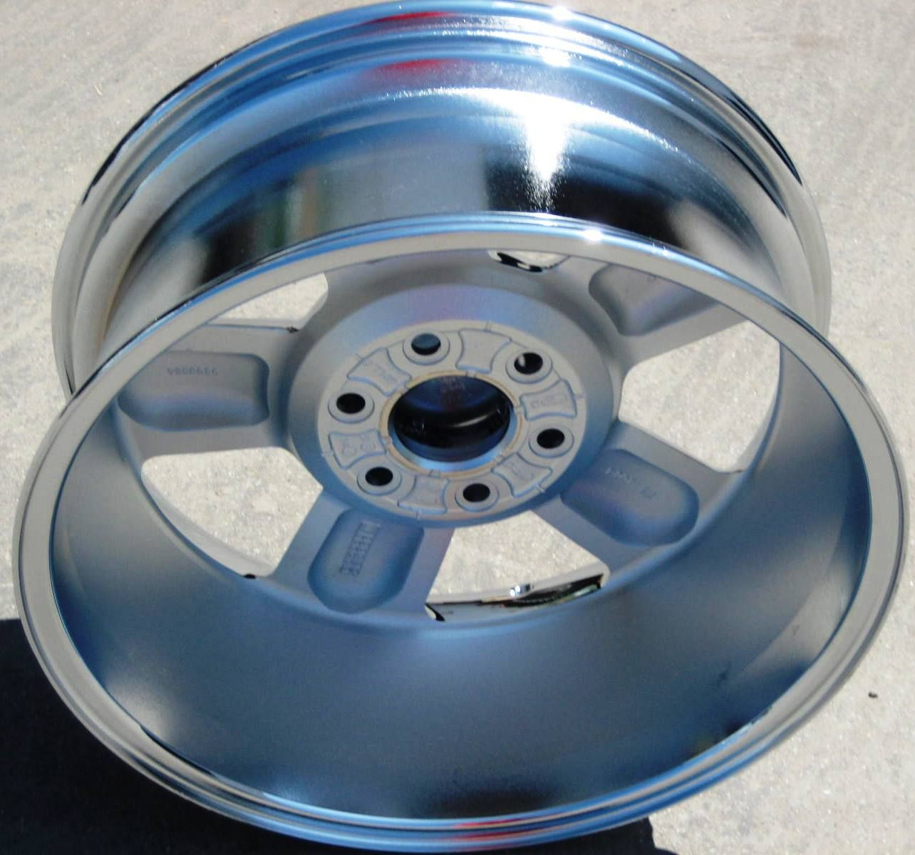 Chevy Tahoe Avalanche Silverado Suburban Chrome Wheels Rims