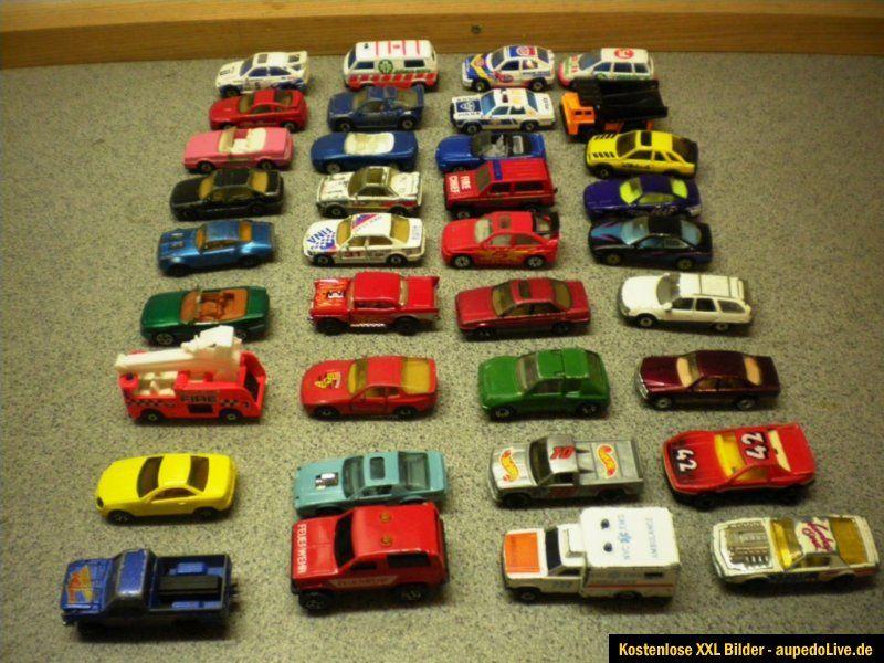 Konvolut 36 Spielzeugautos Matchbox Lesney Majorette Hot Wheels Modell